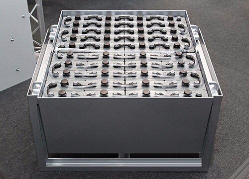 3563B multi-channel battery tester 04